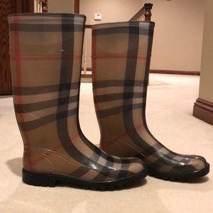Burberry classic rain boots size 39